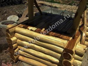 шахтный колодец из дерева