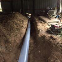траншея под трубы канализации для септика