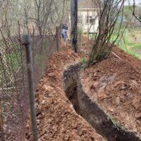 копка траншеи под водопровод из колодца цена за 1 погонный метр
